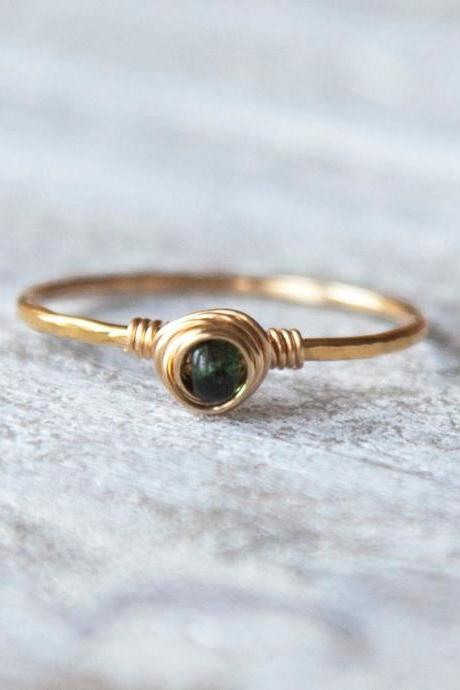 Emerald Ring, Gold Filled Emerald Ring, Natural Emerald Ring, Hammered Ring, Textured Ring, Emerald Jewelry, Boho Ring, Tiny Emerald Ring