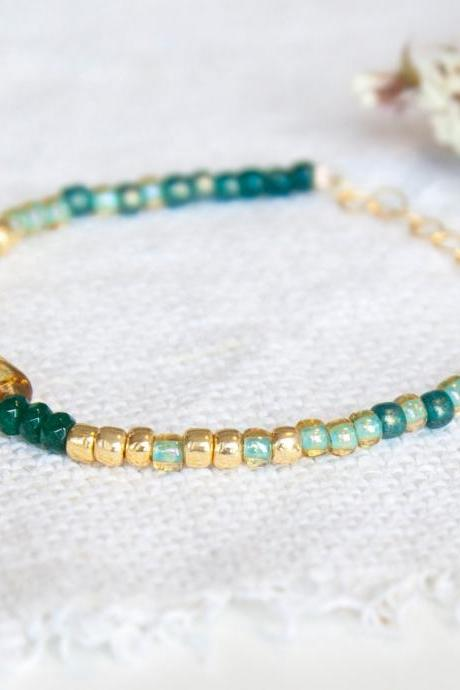 Green and Gold Bracelet with Emerald Jade, Thin Beaded Bracelet, Emerald Bracelet, Green Stacking Bracelet Adjustable Bracelet