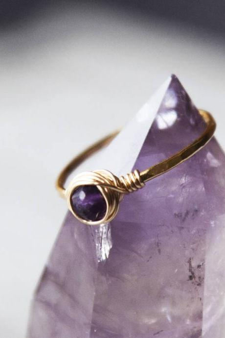 Raw Amethyst Ring, Hammered Ring, Textured Boho Ring, Dainty Forged Ring Gold, Gemstone Stacking Ring, Delicate Ring, Purple Stone Ring